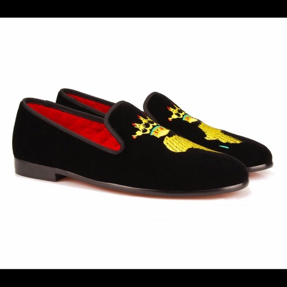 2f8e258b744 Men Embroidery African Map Black Loafers. NWT. nanaloafers